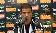 Atacante Leonardo, ex-Coritiba, é apresentado no Atlético-MG