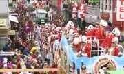 Carnaval em Colônia tem chuva e ventos fortes