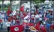 Grupo manifesta apoio a Dilma e Lula em ato em Uberaba