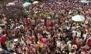 Acadêmicos do Baixo Augusta faz concentração para desfilar em São Paulo