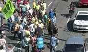 Protesto contra aplicativos de transporte de passageiros é marcado por confusão no RJ