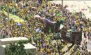 Manifestantes fazem ato a favor de Jair Bolsonaro no Rio de Janeiro e em Brasília