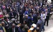 Deputado dá cabeçada em colega no plenário da Câmara