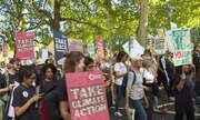 Protestos por causa climática ocupam ruas pelo mundo