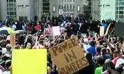 No oitavo dia de protestos nos EUA, manifestantes iniciam caminhada em Nova York