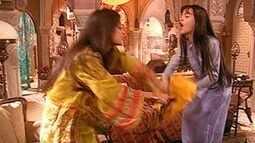 Khadija se desentende com Ranya