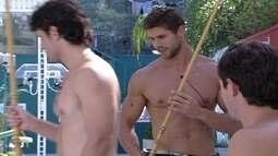 João Mauricio e Jonas jogam sinuca