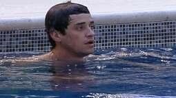 Fael e João Mauricio curtem piscina