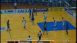 Uberlndia atropela Bauru e fica a uma vitria da final do NBB-5