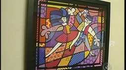 Exposio de Romero Britto  atrao no Museu do Caf em Botucatu, SP