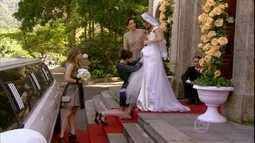 Ju costura o vestido de noiva de Fatinha