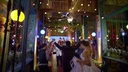 Todos se divertem na festa de casamento de Cassiano e Ester