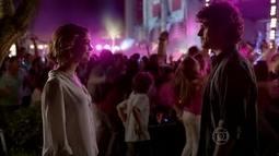Bento reencontra Amora no flashmob