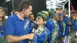 Velha Guarda da Beija-Flor acompanha desfile da escola na Sapucaí