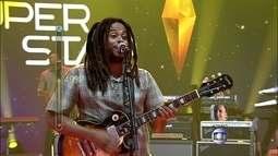 Vibrações canta versão reggae de 'Ela Partiu' e faz telão subir com 78%