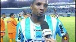 """Anselmo lamenta empate do Macaé com o Paraná: """"Ruim, essa é a palavra"""""""