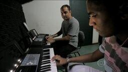 Projeto Axé, na BA, ajuda a transformar sonhos em realidade