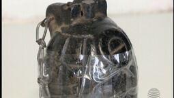 Polícia investiga origem de granada que apareceu em praça