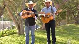 A dupla Paulo Cruz e Zé Eduardo cantam no Diário do Campo