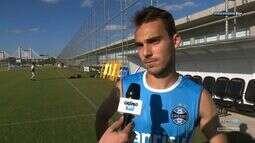 Azul, Preto e Branco - Entrevista com o meia Felipe Tontini que subiu para o profissional