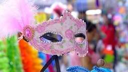 Vendas de fantasias de Carnaval movimenta comércio em Natal