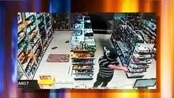 Ladrão ameaça clientes e funcionários de farmácia durante assalto em Rio Preto