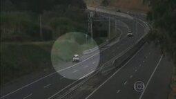 Morre ciclista atropelado por carro em acostamento de rodovia em Itatiba