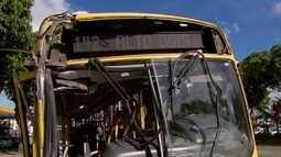Acidente entre ônibus deixa seis pessoas feridas