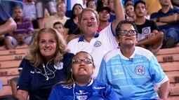 Torcedoras do São Bento vão ao estádio e deixam maridos em casa