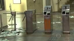 Homem é detido em confusão no metrô durante passagem de bloco em BH