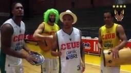 Jogadores do Brasília basquete fazem bloco e conscientizam população antes da folia
