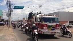 Policiais e bombeiros fazem homenagem a cabo da PM que morreu em acidente na BR-070