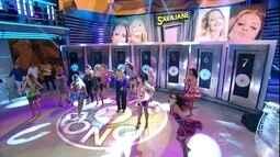 Giselle Batista escolhe a porta 5 e acerta música de Sarajane