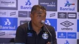 Roger Machado afirma que time teve que mudar maneira de jogar durante partida