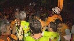 Cerca de 3 mil pessoas fazem a festa no Bloco do Trator, em Brazópolis (MG)