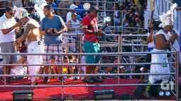 Ara Ketu canta 'Mal Acostumado' no Campo Grande