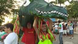 Bloco Jacaré do Açude Velho leva centenas de pessoas às ruas de Campina Grande