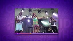 Ana Beatriz sobe no palco com o grupo Sambô