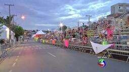 Trânsito é bloqueado em avenida de Cuiabá para desfile de Carnaval