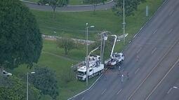 Após acidente, pistas do Eixão Norte, no DF, são bloqueadas