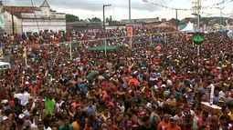 Arrastão reúne centenas de foliões em São José da Laje