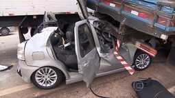 Carros e caminhões se envolvem em batida no anel rodoviário de BH