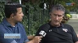 Edgardo Bauza elogia Tite e fala sobre o clássico contra o Corinthians