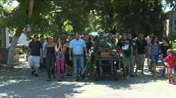 Protesto no enterro de jovem morta em tentativa de assalto no Riachuelo