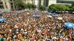 Monobloco desfila pelo 16º ano no Rio de Janeiro