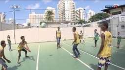Projeto Supersacada ajuda jovens de escolas públicas de Salvador
