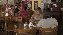 Preço médio da refeição fora de casa em Maceió é a menor do Nordeste, diz Datafolha