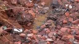 Moradores reclamam de vazamento de esgoto em dois bairros de Rio Preto