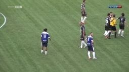 Ronaldinho e Adriano fazem amistoso em Las Vegas, com gol do Imperador