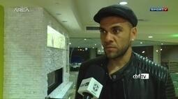 Daniel Aves chega em Los Angeles e diz que vai disputar a Copa América